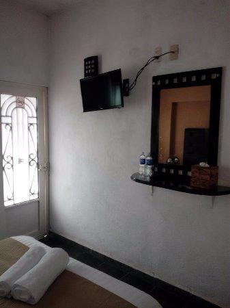 Posada Mi Casa en Tepoz: Sencilla. Pantalla y tocador