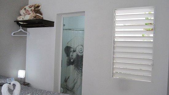 Foto De Hotal Brisa Sur Cienfuegos Bano De La 1era Habitacion