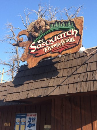 Sasquatch Tavern & Grill: Located on the old highway into Reno.  Near Gold Ranch exit.