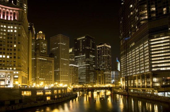 Chicago River Ghosts and Gangsters...