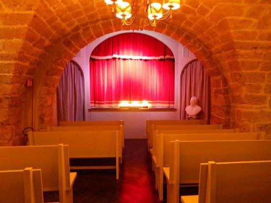 Teatro dei Pupi : The small, intimate puppet theater