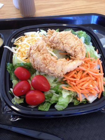 Yukon, OK: Chicken tender salad with a yeast roll