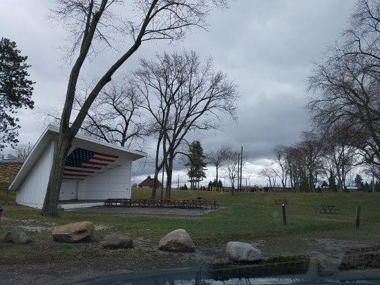 Marysville, MI: bandshell