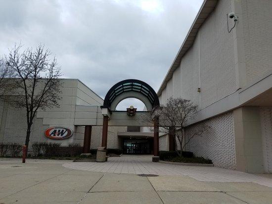 Troy, MI: entrance