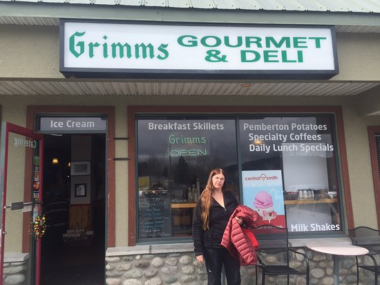 Grimm's Gourmet & Deli : Great spot for a meal.