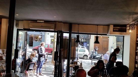 Fuxia paris 25 rue des martyrs op ra bourse for Restaurant miroir rue des martyrs