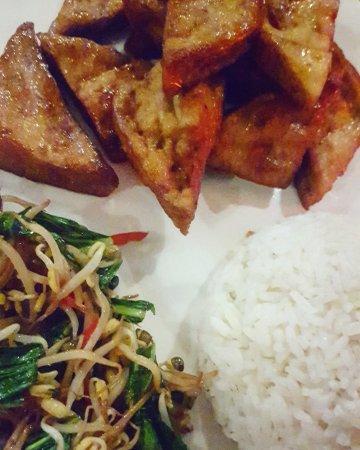 d'Sawah Warung: Tofu with Balinese vegetables, loved it!