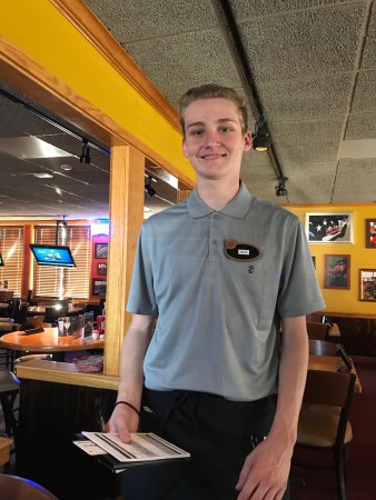 Kent is a wonderful waiter who is new to the Kingsport Tennessee Applebee's on Stone Drive and E