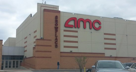 Niles, IL: the AMC Showplace and an adjacent entrance from the parking lot