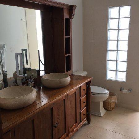 Fountain Anguilla: Fountain Residences