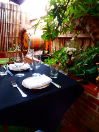 Brighton, Australia: Romantic Table