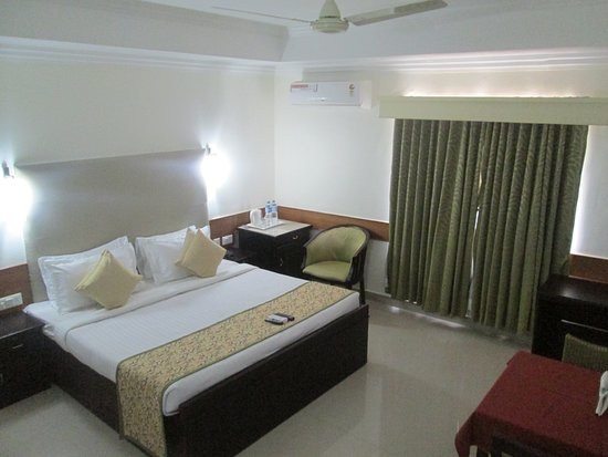 Paray Village County Hotel: ROOM VIEW