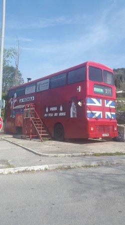 superbe bus anglais a peymeinade