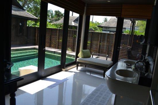 Anantara Mai Khao Phuket Villas: another entry to the pool