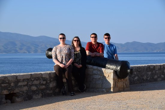 Maratona, Grecia: Ashley's family birding in Greece