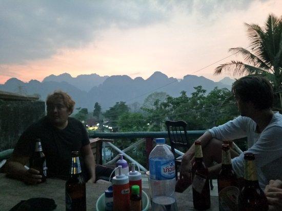 Easy Go Backpacker Hostel: IMG20170324183214_large.jpg