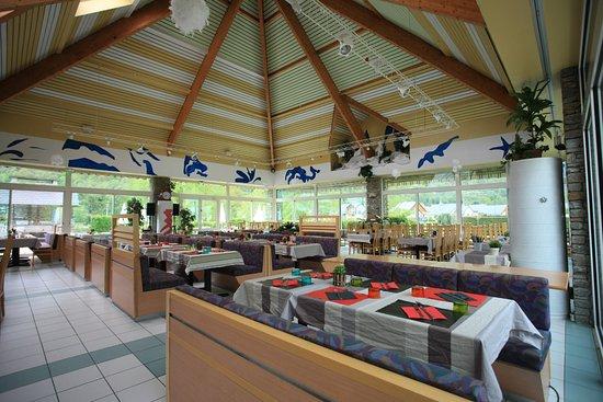 le restaurant photo de les balcons des pyr n es saint mamet tripadvisor. Black Bedroom Furniture Sets. Home Design Ideas