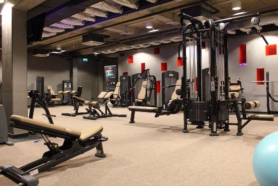 Vecses, Węgry: LifeFitness machines in our fitness room