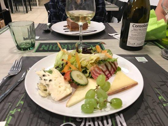 Picture of le jardin vias tripadvisor for Restaurant le jardin vias