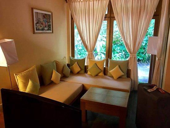 le petit coin salon photo de reethi beach resort baa atoll tripadvisor. Black Bedroom Furniture Sets. Home Design Ideas