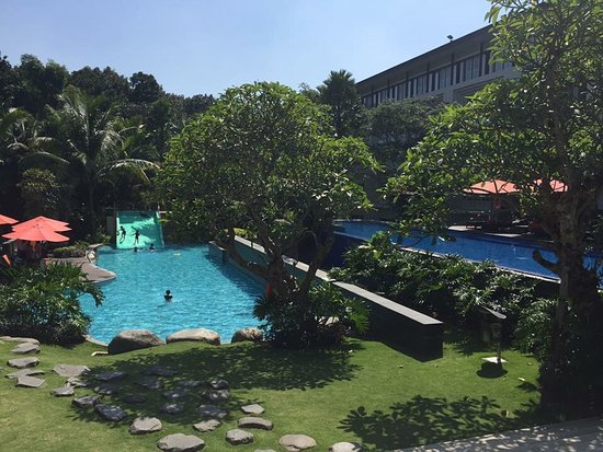 Swimming Pool Room Building Picture Of Harris Hotel Conventions Malang Malang Tripadvisor