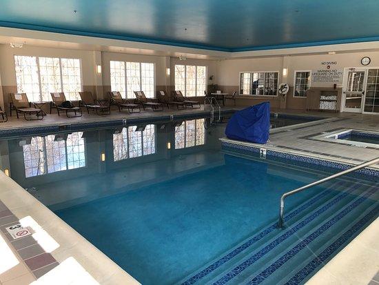 Fairfield Inn & Suites Lenox Great Barrington/Berkshires : Great indoor pool!