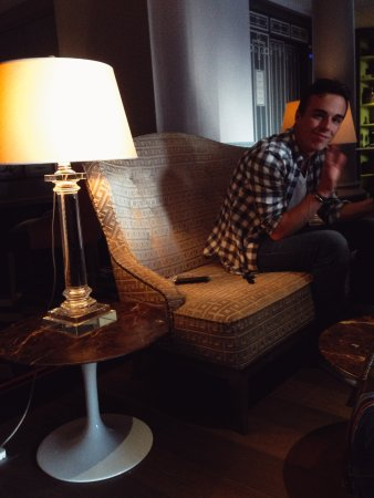 La Maison Favart: The lobby.