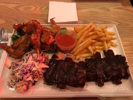 Sylvania, Australia: Ribs and Wings