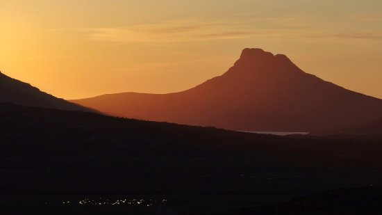 Achiltibuie, UK: Majestic Stac Polly in the evening light.