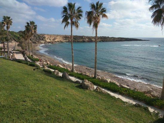 King Evelthon Beach Hotel Resort Lage