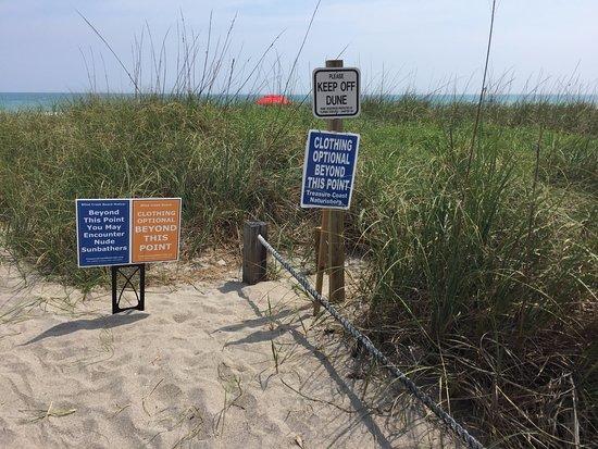 Hutchinson Island, FL: Entrance to Blind Creek Beach