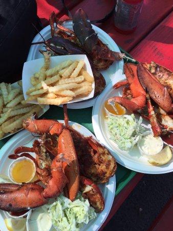 Berth 55 seafood market long beach restaurant reviews for Long beach fish market