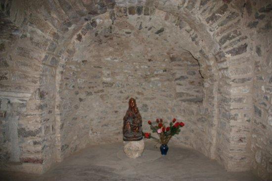 Casteil, Франция: vierge sculptée