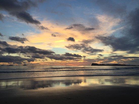 Pauanui Pines Motor Lodge: A glimpse of sunrise