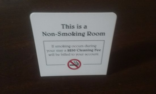 Connellsville, PA: The entire hotel is no smoking
