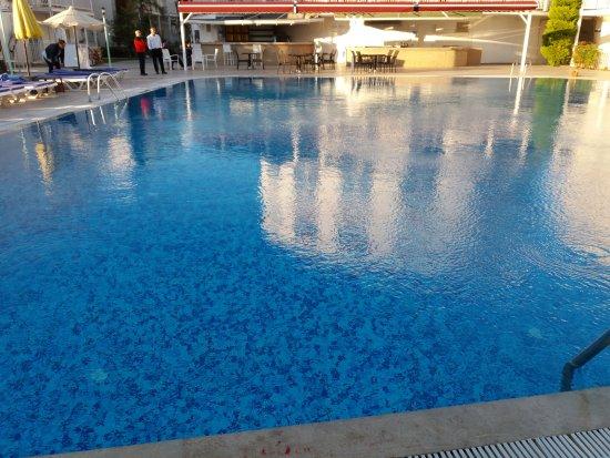 Bodrum Beach Resort: 20170408_185641_large.jpg