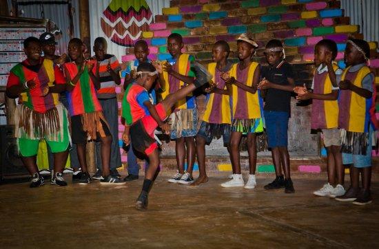 Cullinan, Sydafrika: Shebeen setup- ndebele dancers entertainment