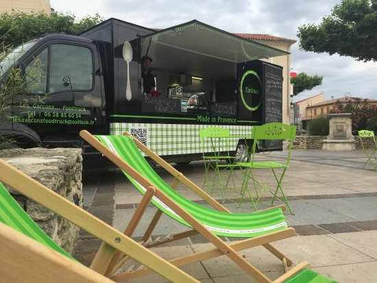 Noves, Frankrig: foodtruck cuisine de tartines, hamburger, soupes et gaspachos