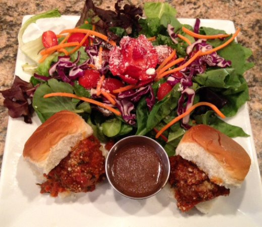 Linwood, Нью-Джерси: Barista's Little Debbie's home made meatball sliders with side salad