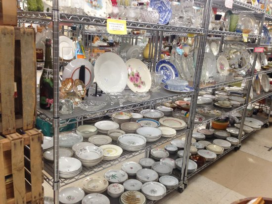 Owego, NY: Part of a large porcelan collection
