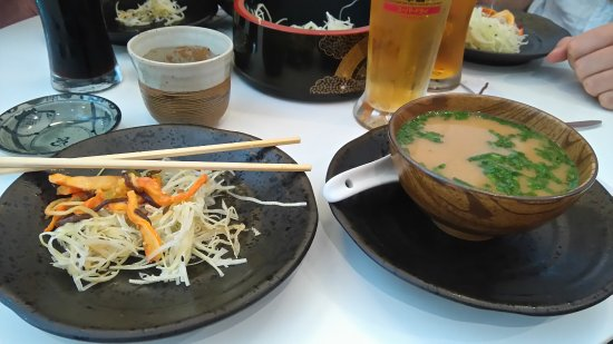 la soupe miso et la salade de chou picture of sushiya vannes tripadvisor. Black Bedroom Furniture Sets. Home Design Ideas