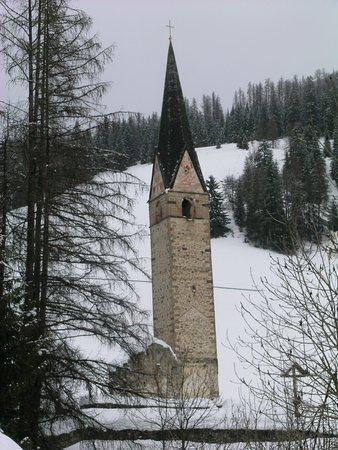 La Valle, إيطاليا: Der übrig gebliebene Kirchturm...