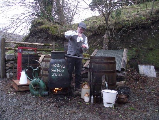 Κενμάρε, Ιρλανδία: Poitin Making
