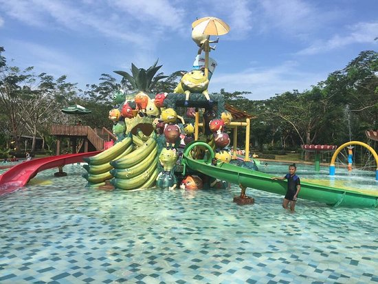 Water Kingdom Family Aquatic Adventure Park