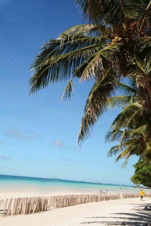 Boracay Royal Park Hotel: территория пляжа у отеля