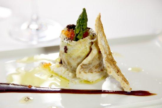 Restaurante Tapería Yuste: Popieta de Lubina, Espárragos y Huevas de Trucha
