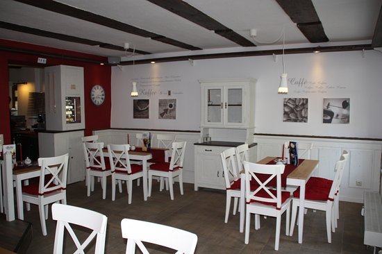 Café Altkö im Herzen des historischen Dorfangers. - Bild von Café ...