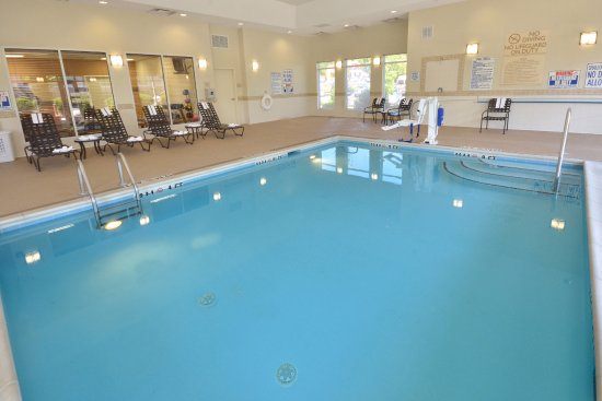 Hilton Garden Inn Greensboro: Swimming Pool