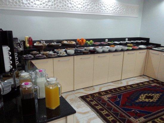 باسيليوس هوتل: ארוחת הבוקר