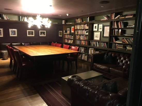 The Nines, a Luxury Collection Hotel, Portland: Billiards room/library